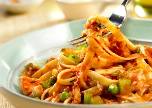 Fettucine with fresh cream tuna sauce